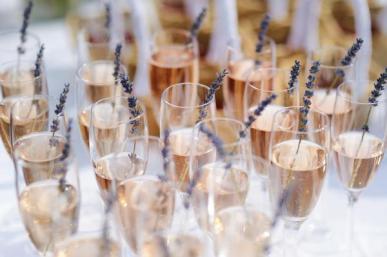 vin-champagne-mariage-marseille
