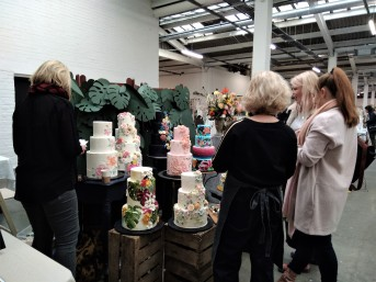 salon-du-mariage-alternatif-atypique-londres-cake-design-wedding-cake